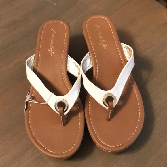 02a2606debc4 Brand new American eagle wedge sandal